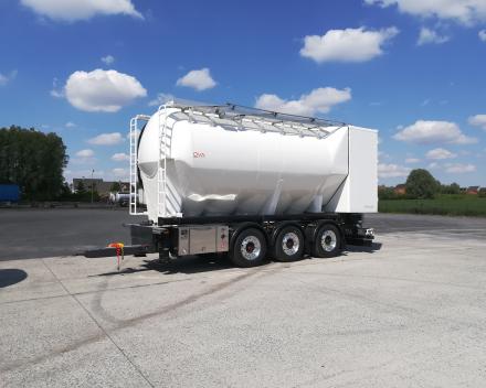 OVA International ontwikkelt, bouwt en onderhoudt silo- en bulkvoertuigen