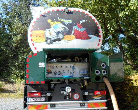 Camion citerne pour pellets de bois avec pesage