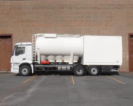 camion citerne à farine vrac/sacs   - France